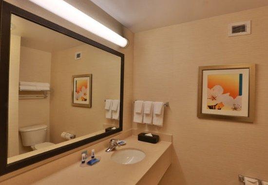 Burlington, واشنطن: Suite Bathroom Vanity