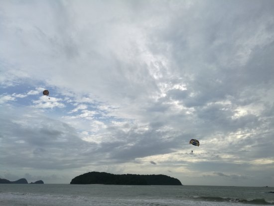 Pantai Cenang, Malaysia: IMG_20160918_173636_large.jpg