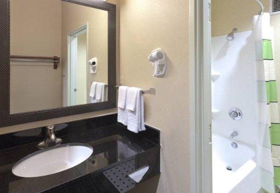 Beaverton, Oregón: Guest Bathroom