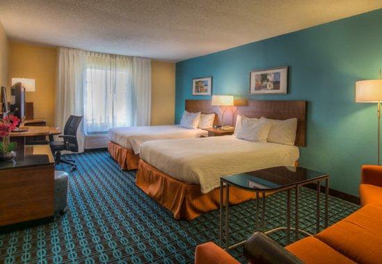 Chester, VA: Executive Queen/Queen Guest Room