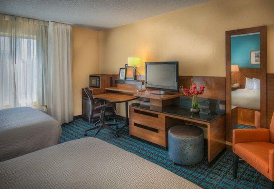 Chester, VA: Guest Room Work Desk