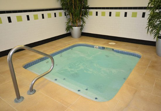 Jefferson City, MO : Indoor Whirlpool