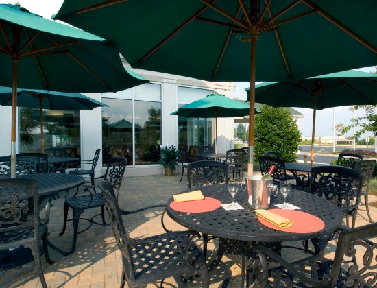 Owings Mills, MD: Outdoor Seating Area