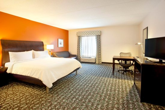 Smyrna, TN: King Suite