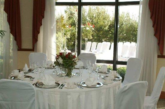 Allen, TX: Wedding Table Setting