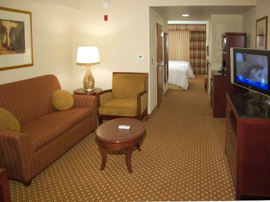 Pearl, MS: King Suite