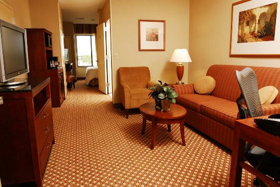 Oconomowoc, WI: One King Evolution Junior Suite