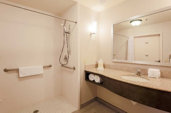 Nanuet, estado de Nueva York: King Mobile-Hearing Accessible bath