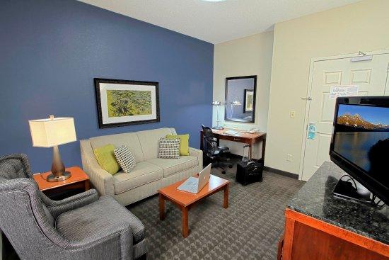 เวสต์บิวรี, นิวยอร์ก: Junior Suite Living Room