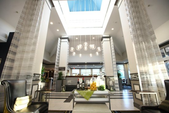 Hilton Garden Inn Westbury: View of Our Lobby
