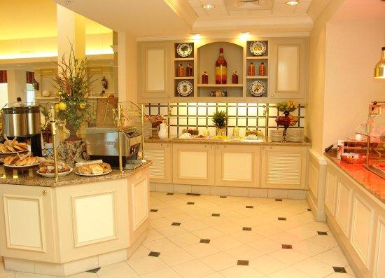 Hilton Garden Inn Mobile East Bay: Breakfast Buffet