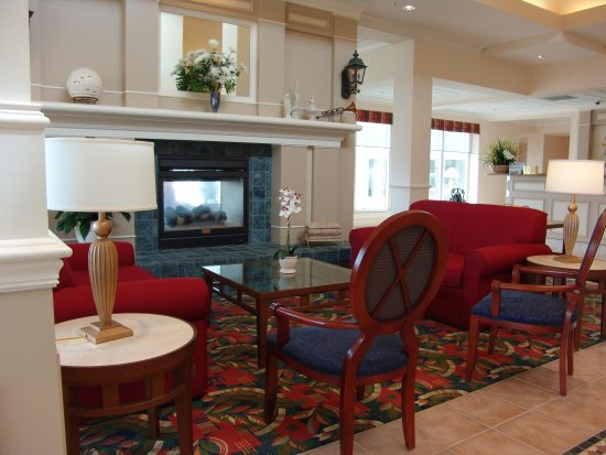 Daphne, AL: Lobby Seating