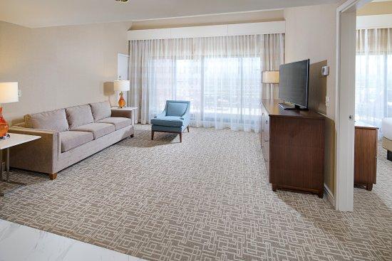 Dedham, MA: One King Bed One Bedroom Corner Suite