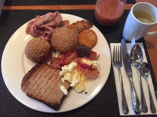 Soestduinen, Belanda: Ontbijt