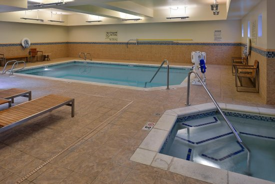 Hampton Inn & Suites Tacoma-Mall: Indoor Pool