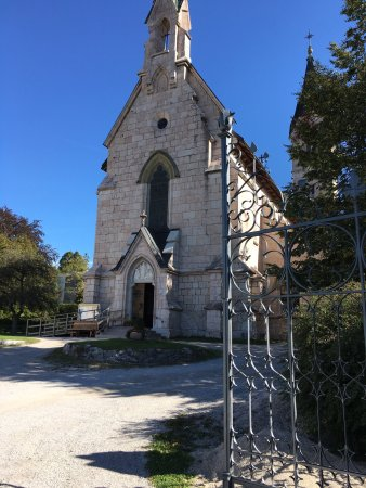 Die evangelische Auferstehungskirche