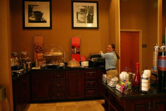Vidalia, GA: Breakfast Hostess