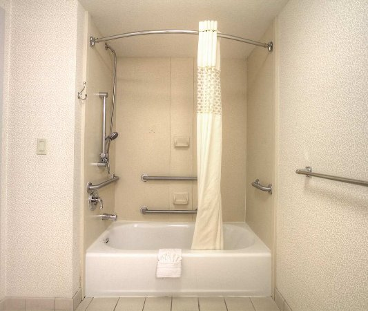 Milpitas, Kaliforniya: Accessible Tub