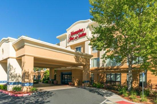 Yuba City, Καλιφόρνια: Sutter Buttes Mountain Range Hotel