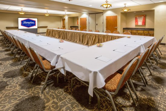 Yuba City, Kaliforniya: U-Shaped Meeting Room