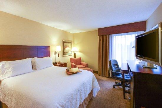 Staunton, Wirginia: King Bed