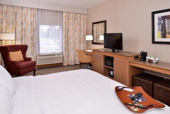 Steubenville, OH: Standard King guestroom