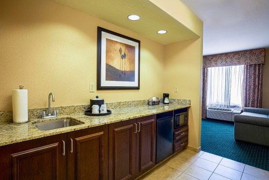 Elk Grove, CA: 1 King Studio Suite Kitchen