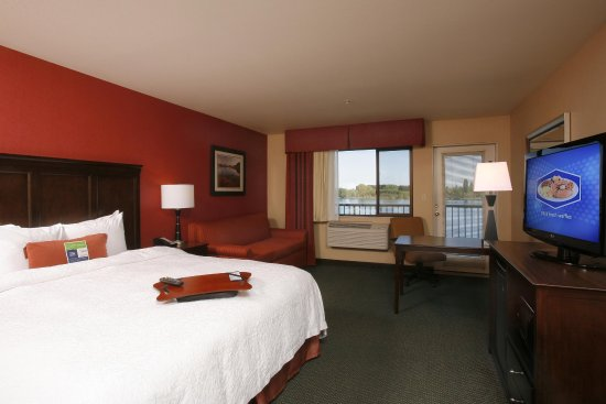 Richland, WA: 1 King Bed Riverview