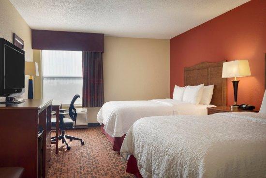 Shawnee, OK: Queen Room