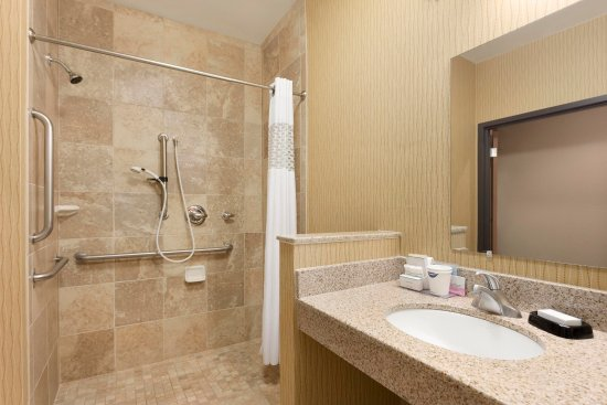 Shawnee, OK: Accessible Roll-in Shower