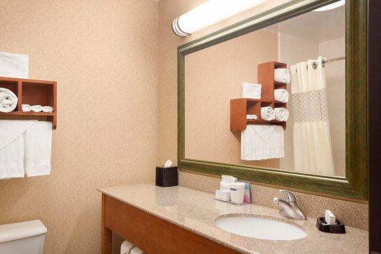 Shawnee, Оклахома: Guest Bathroom