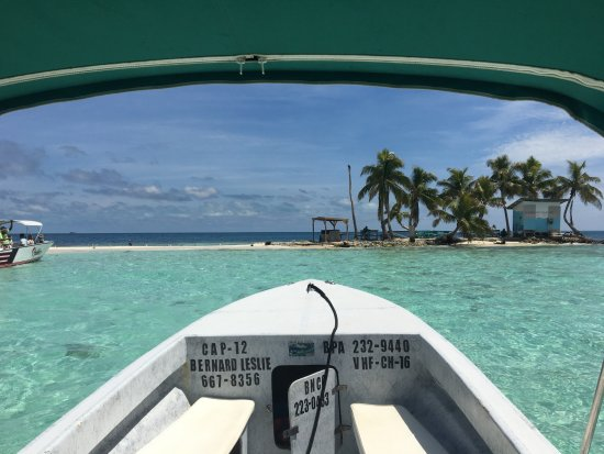 Ocean Motion Tours: Silk Caye as we approached.