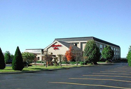 Hampton Inn Collinsville : Hotel Exterior