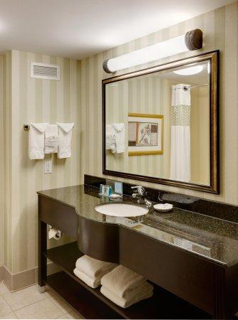 South Plainfield, NJ: Guest Bathroom