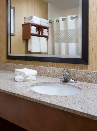 Saint Joseph, MO: Bathroom