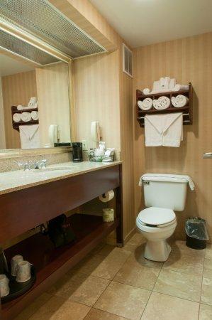 Clarksville, IN: Bathroom