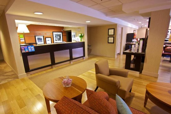 Clarks Summit, PA: Lobby Front Desk