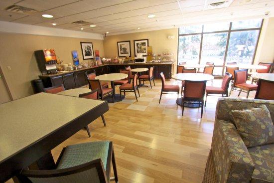 Clarks Summit, بنسيلفانيا: Breakfast Area