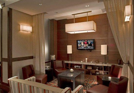 JW Marriott Houston: Destino - Seating Area