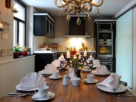 Restaurant & Hotel Schoene Aussicht Dresen: Frühstücksraum