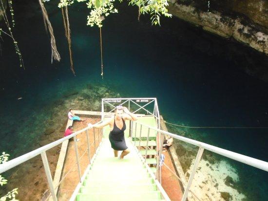 Yucatan, México: Bobbi going down