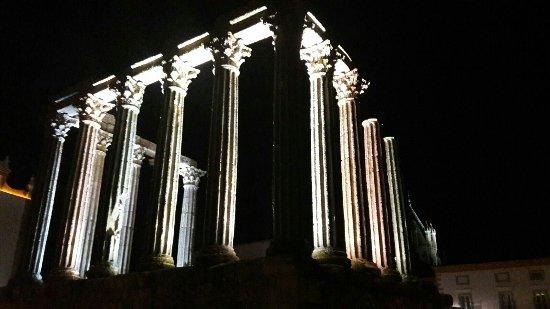 Templo Romano de Évora (Templo de Diana): IMG-20160920-WA0029_large.jpg