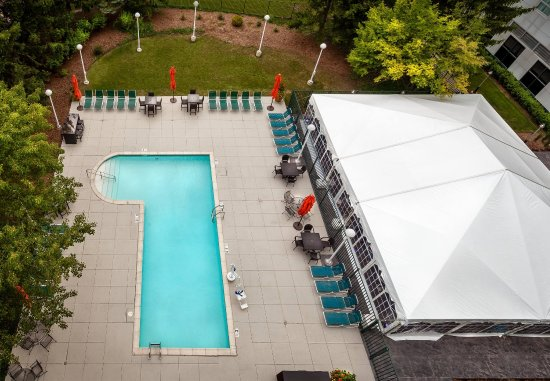เดียร์ฟิลด์, อิลลินอยส์: Outdoor Pool