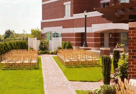 Quincy, MA: Ceremony