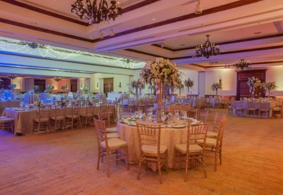 San Antonio De Belen, Costa Rica: Indoor Wedding Reception