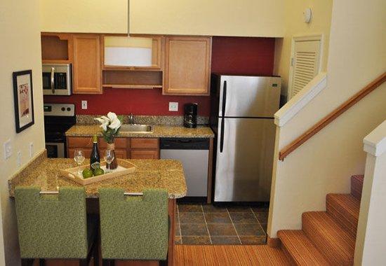 Windsor, CT: Two-Bedroom Suite Kitchen