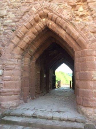 Goodrich, UK: Entrance to castle