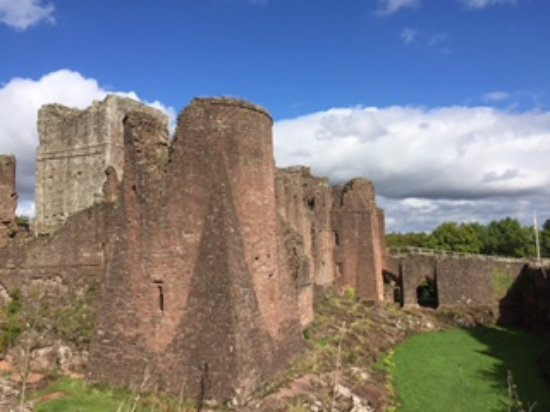 Goodrich Castle with view of Norman keep