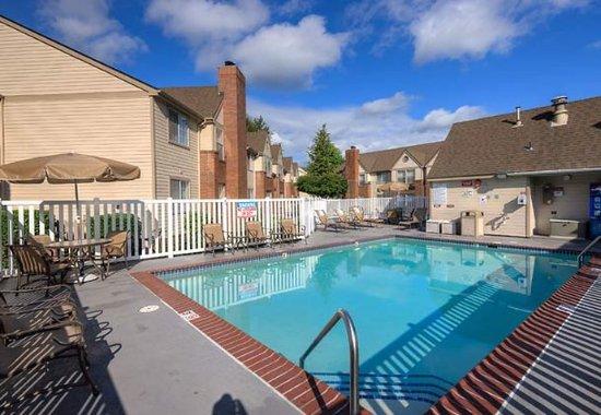 Bothell, WA: Outdoor Pool