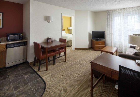 Charleston, Batı Virjinya: One-Bedroom Suite